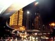 Ночная суета модного города. Ю. Сас